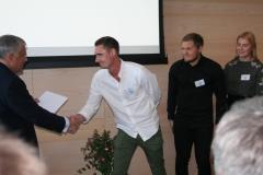Jonas Bjelfvenstam med sjöbefälsstudenterna Fredrik Olin, Kalle Holmberg och Emma Lehnberg, Dickson IF.