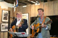 Musikgruppen KAL:s Bosse Andersson och Leif ʺPeddaʺ Pedersen.
