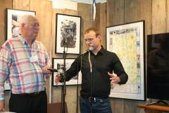 Skeppsbyggare Martin Holmgren presenterar boken om Eriksbergs Mekaniska Verkstad. T.h. förläggaren Lennart Fougelberg.